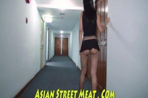 18 Yaşındaki Asyalı Kızın Pornosu