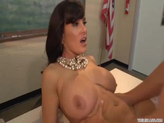 Seksi Lise Öğretmeninin Pornosu